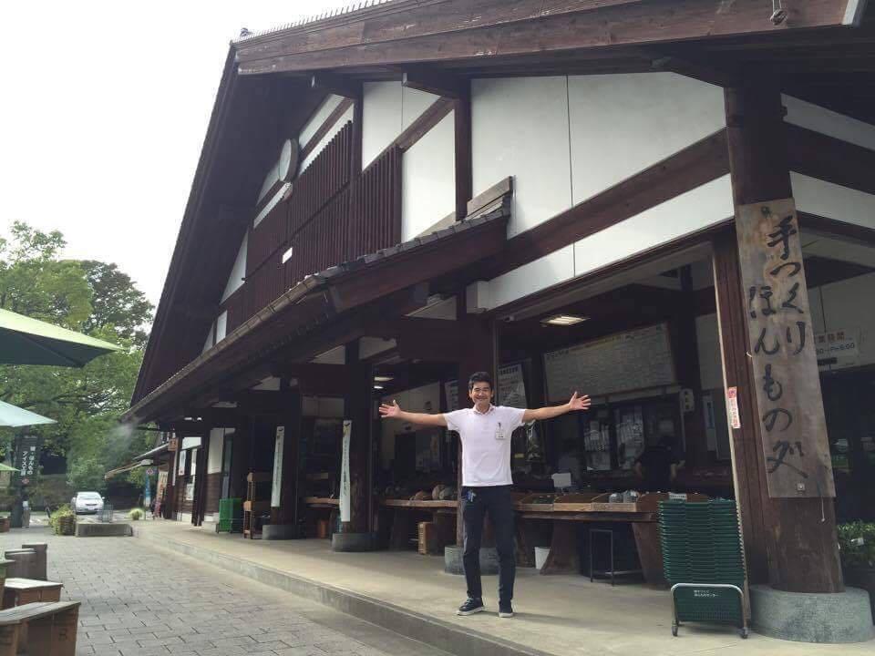 綾手作りほんものセンターは年商3億円となる集客力がある販売所のひとつ